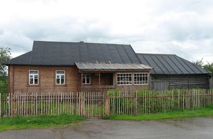 Дом-музей детских лет Ю.А.Гагарина в деревне Клушино